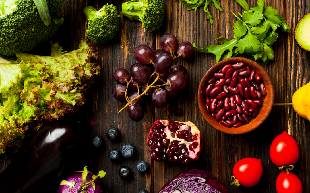 sources of phytonutrients like grapes, blueberries, kidney beans and broccoli